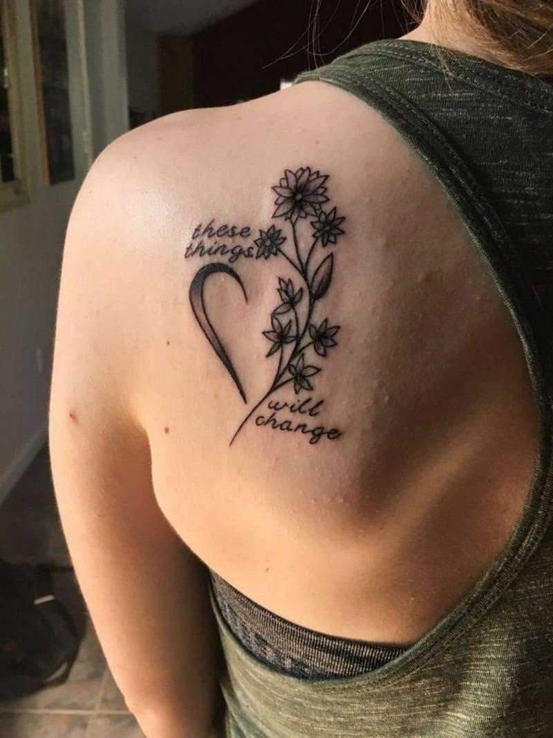Selbstliebe Tattoo am Schulter