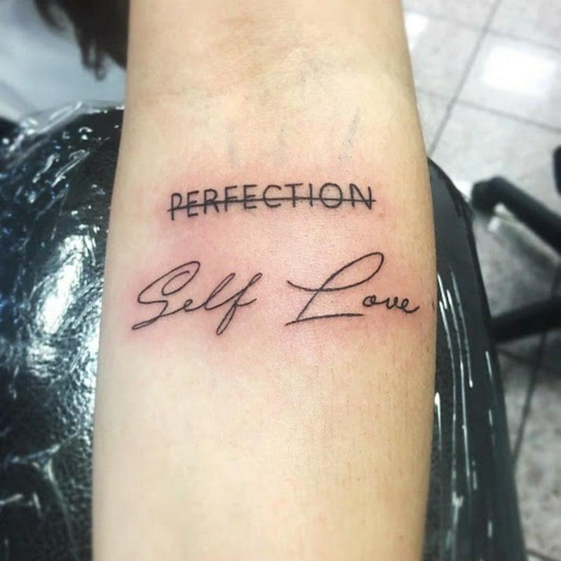 Selbstliebe Tattoo statt Perfektion