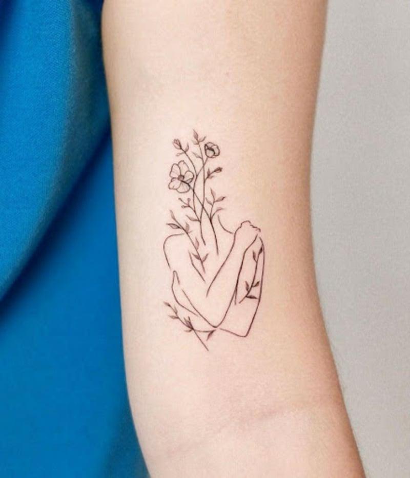 Selbstliebe Tattoo Frau Körper Blumen
