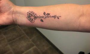 Tätowierung Rose Unterarm