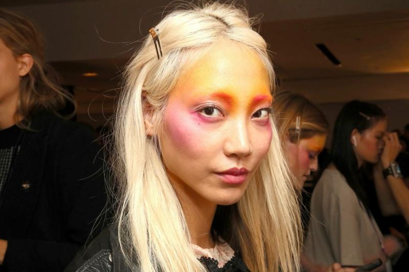 Draping Make-up gelb und rosa