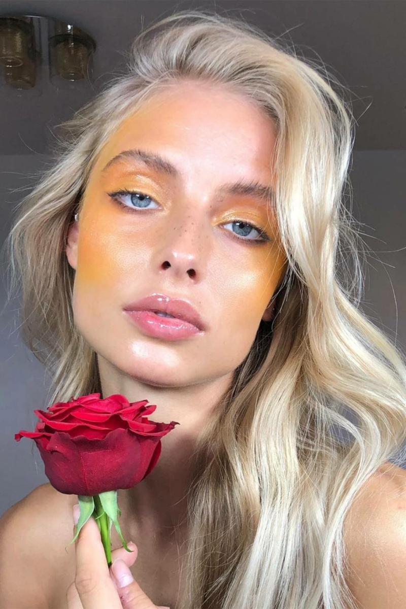 Statemen Make-up machen mit Rouge