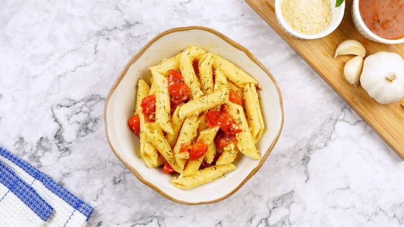 Nudeln mit Käse und Tomaten super lecker