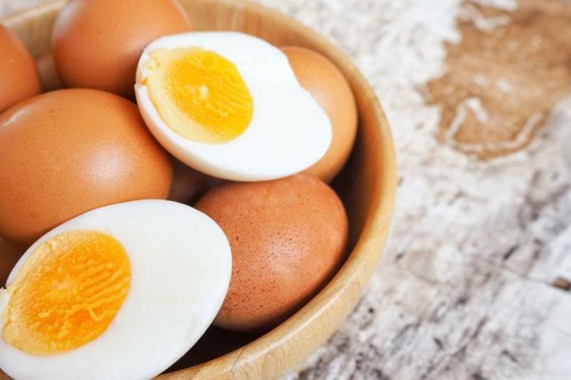 gekochte Eier essen zum Abnehmen