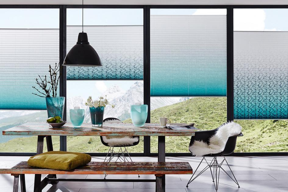 Plissees als Fensterdeko - welche sind die Trendfarben und wie können Sie diese harmonisch einfügen?