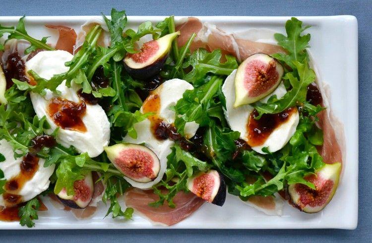 Kresse Salat mit Feigen und Mozzarella