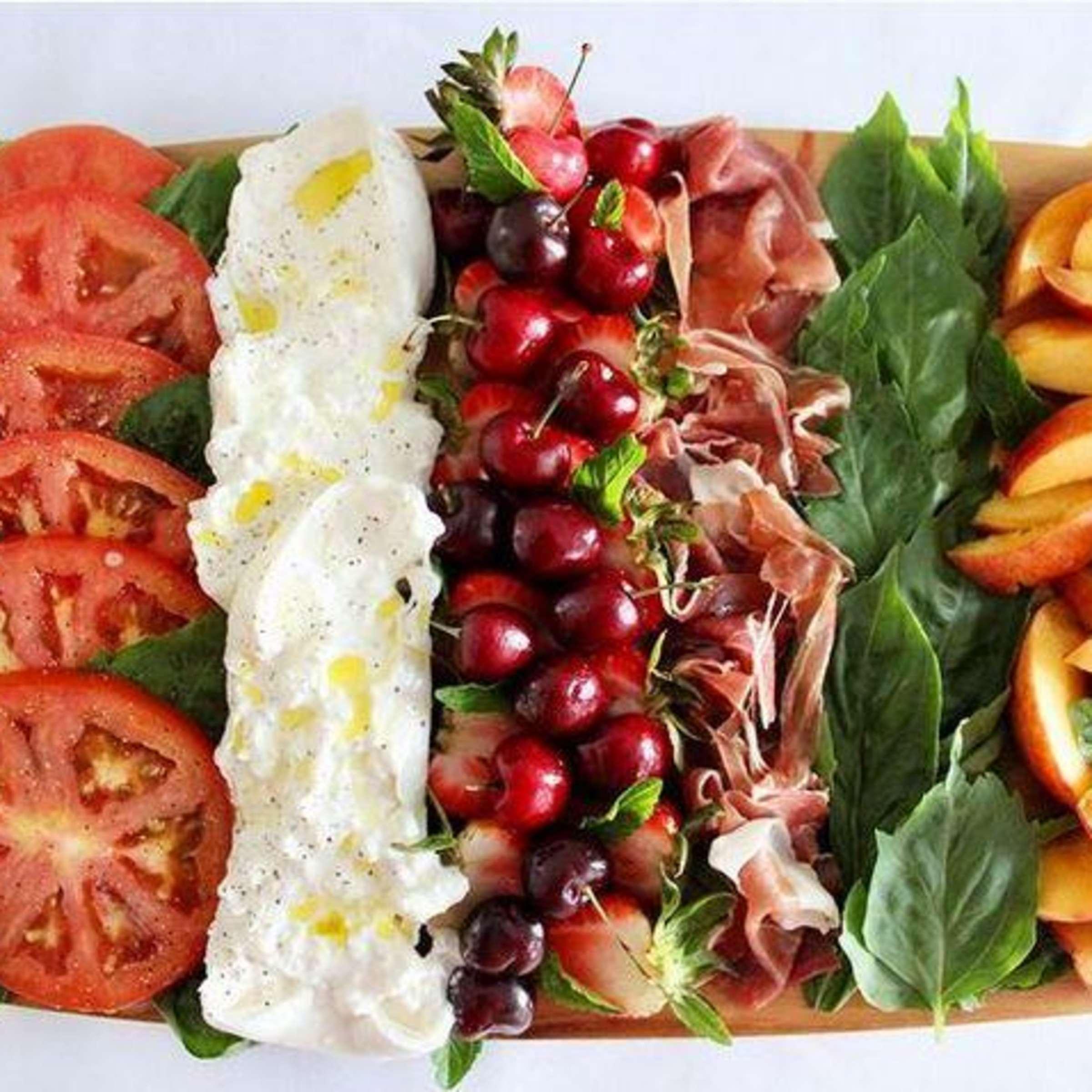 fruchtige Snackplatte für den Sommer