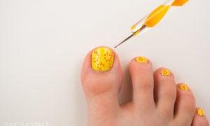 Fußnägel lackieren - Welche sind die Nagellack Farben, die angesagt sind?