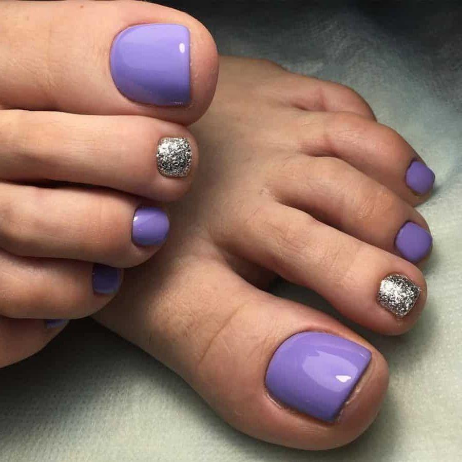Fußnägel lackieren - Pediküre Farbe 2021