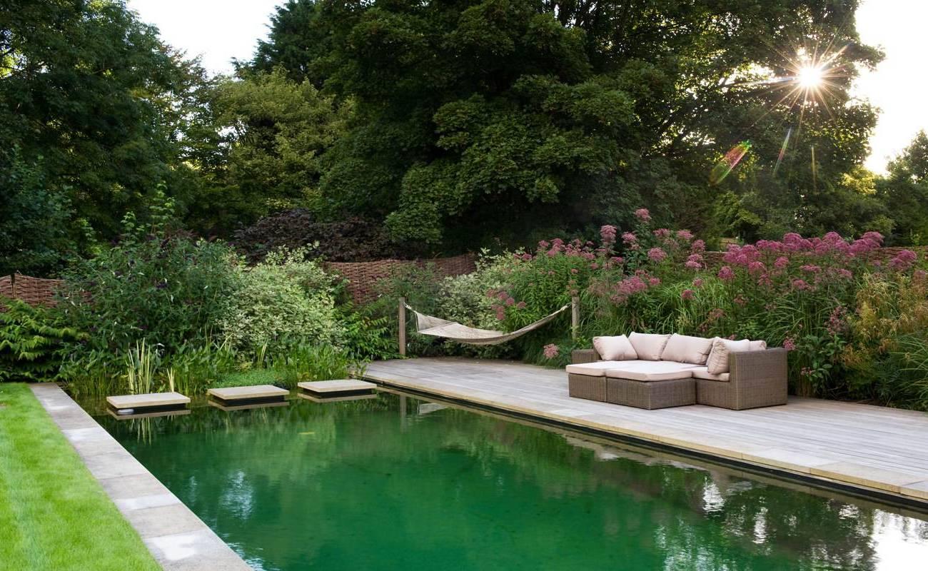 Gartengestaltung -  Teich anlegen für mehr Leben im Garten