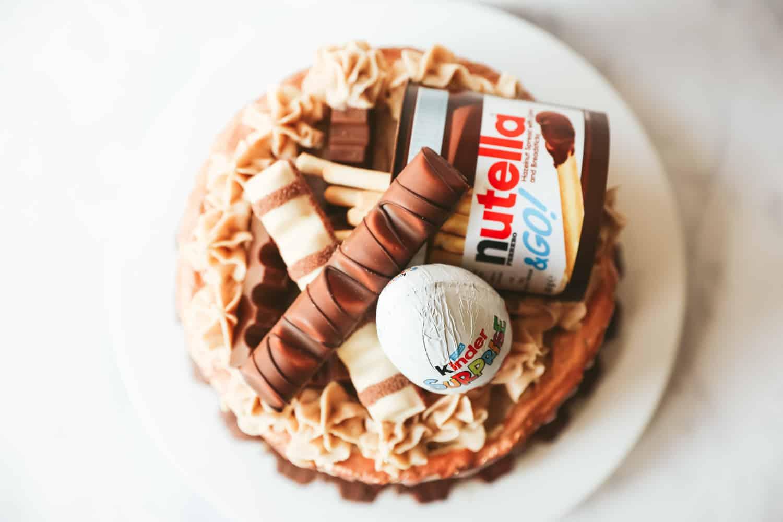 Wie dekorieren Sie Ihre Kinder Bueno Torte?