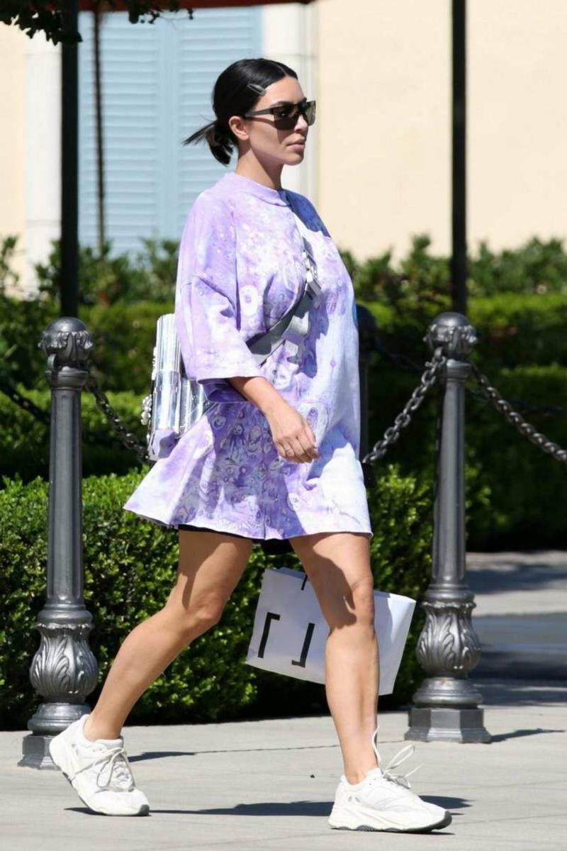 übergroßes Kleid Kim Kardashian