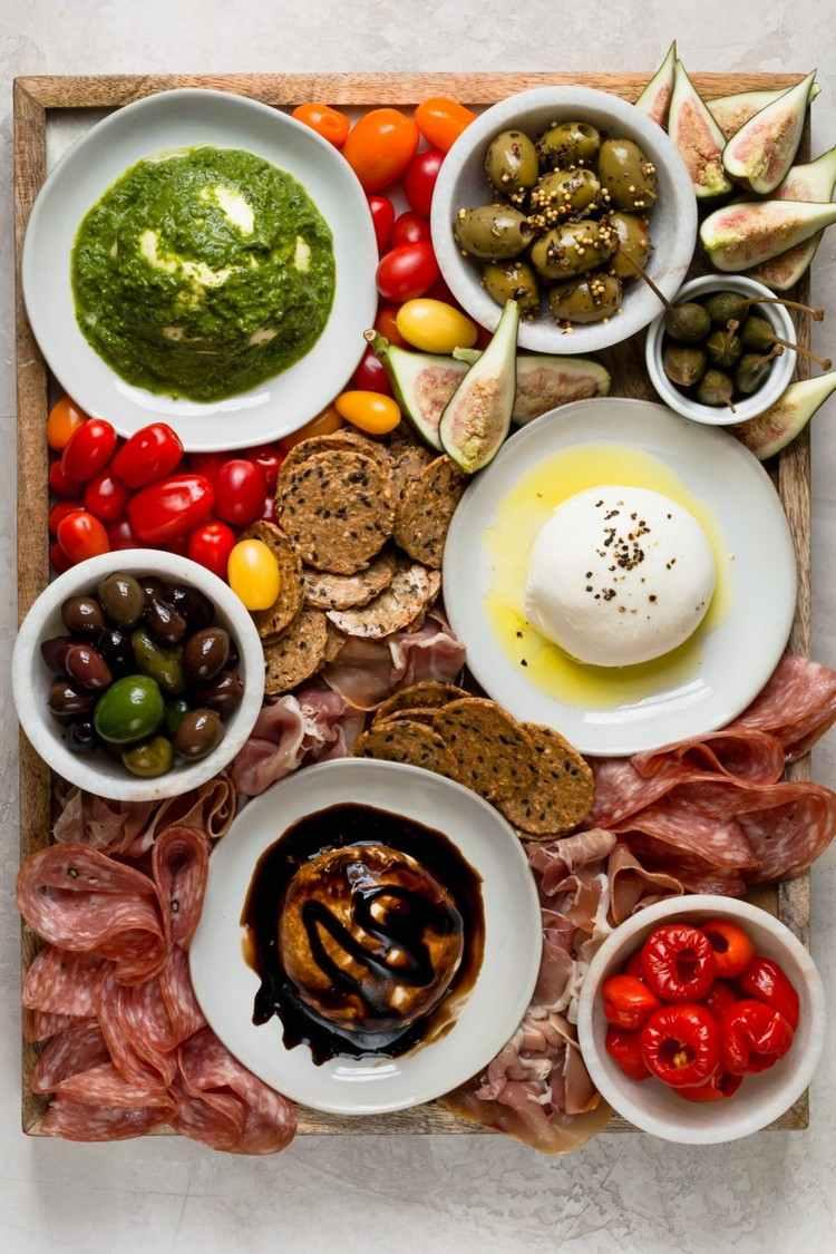 Buratta Rezepte mediterrane Platte Pesto Oliven