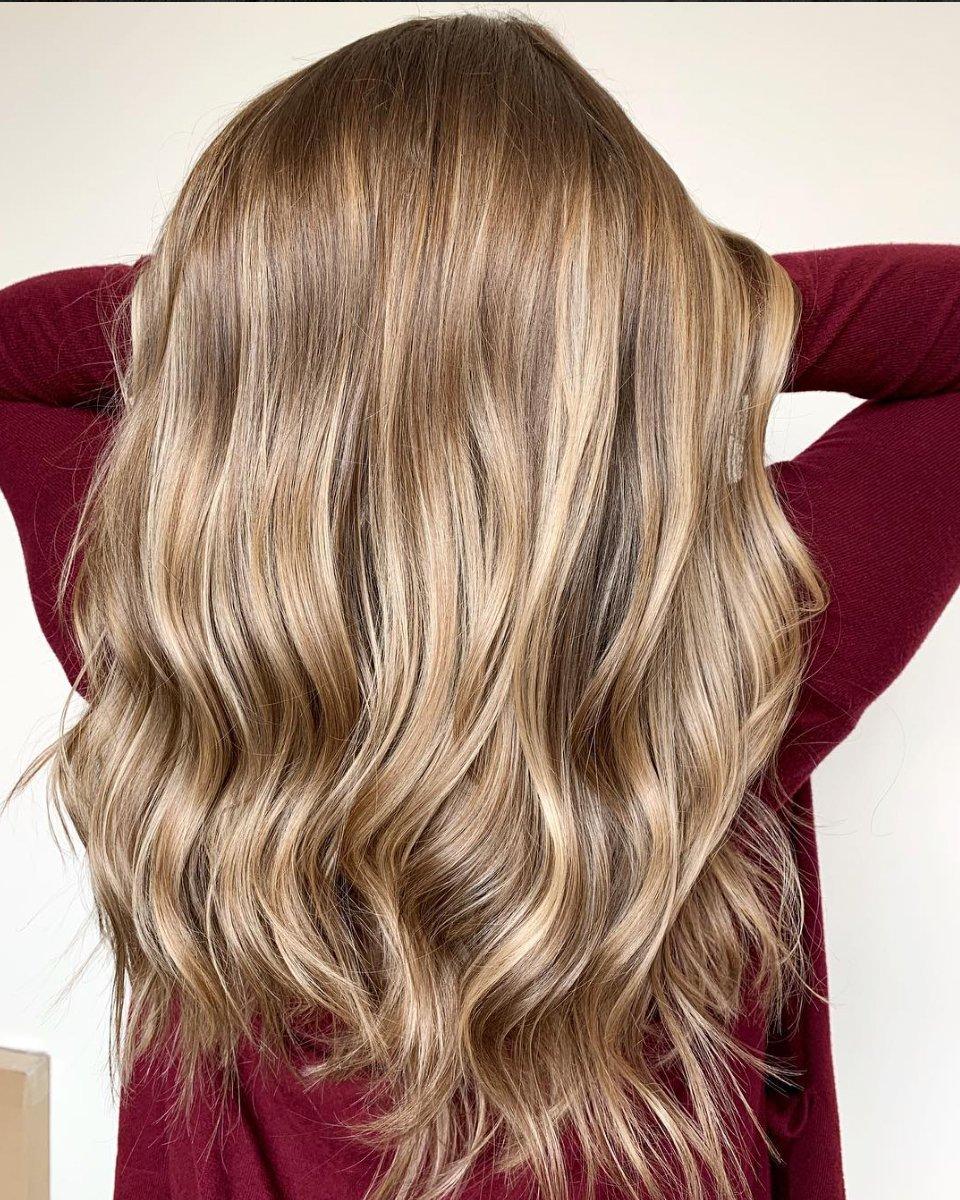 Welche Strähnen passen zu blonden Haaren - Haarfarbe Ideen für lange Haare