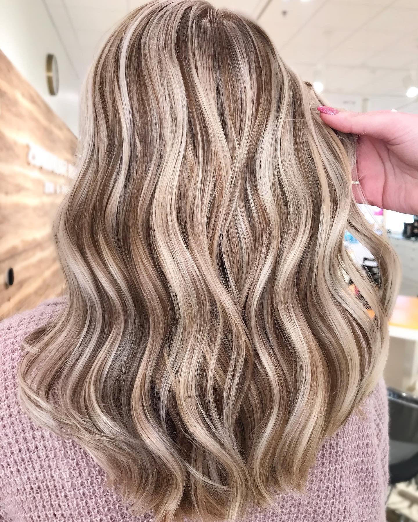 Welche Strähnen passen zu blonden Haaren - Tipps und Beispiele mit Bilder