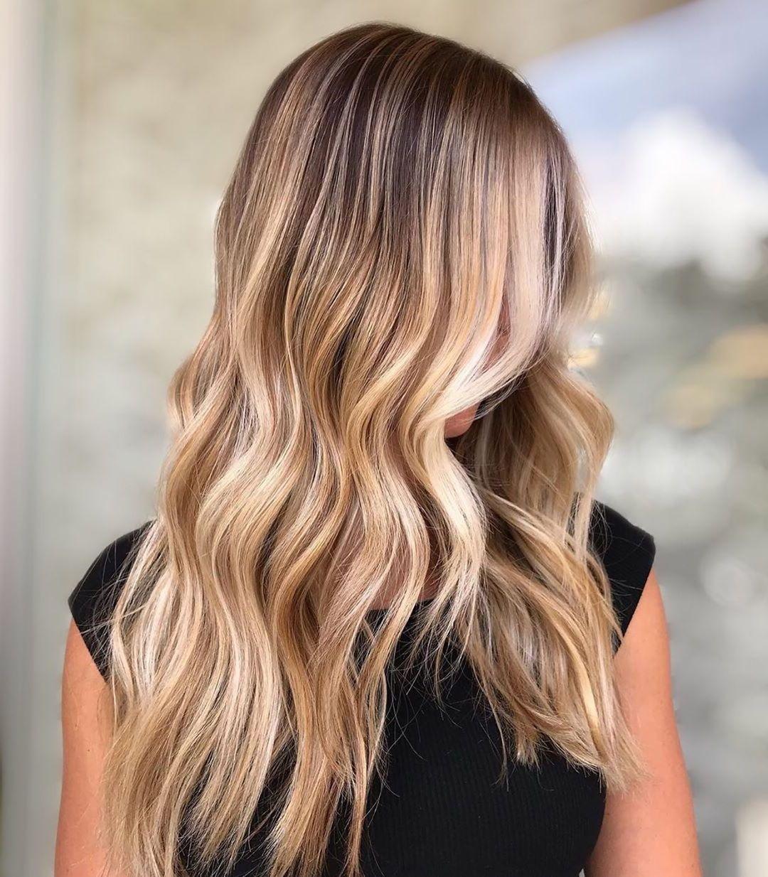 Welche Strähnen passen zu blonden Haaren - Goldenblond und Honigblond