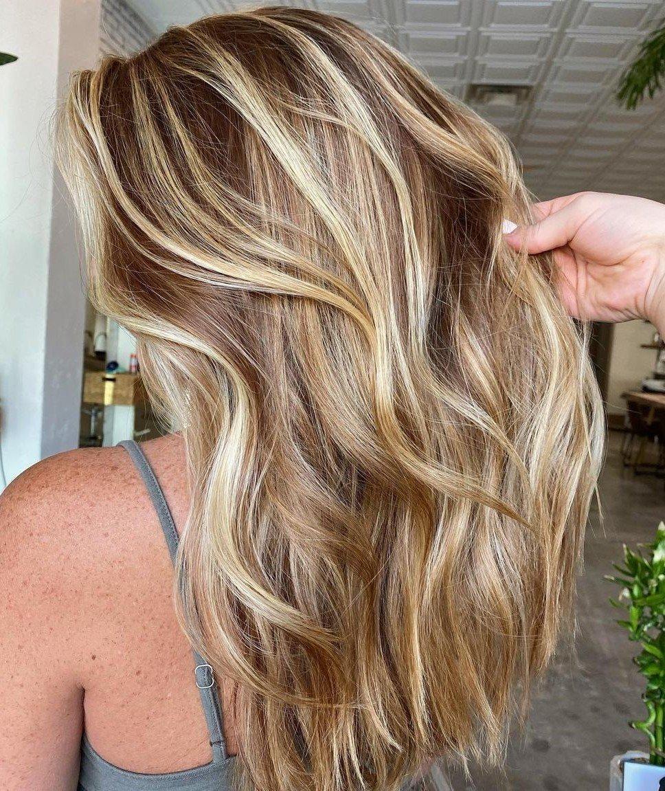 Welche Strähnen passen zu blonden Haaren - Honigblond Strähnen