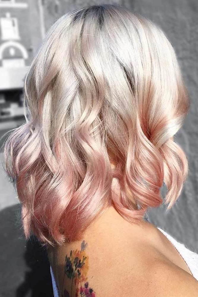Welche Strähnen passen zu blonden Haaren - Pink und Blond kombinieren