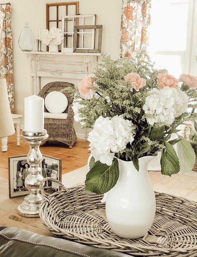 Vintage-Deko Wohnzimmer prachtvolle Blumen