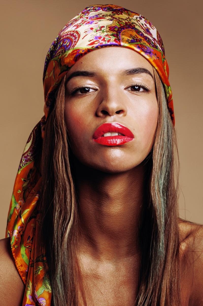 Bandana als Kopftuch stylen für den trendigen Piraten-Look