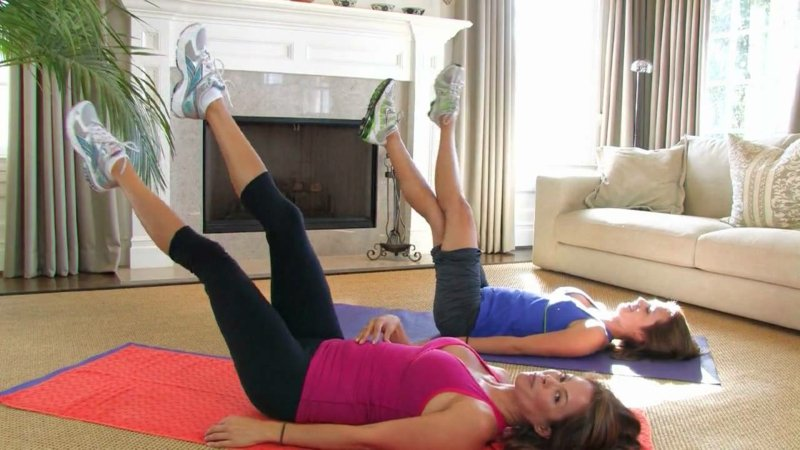 Bauchfett reduzieren Beine hoch halten