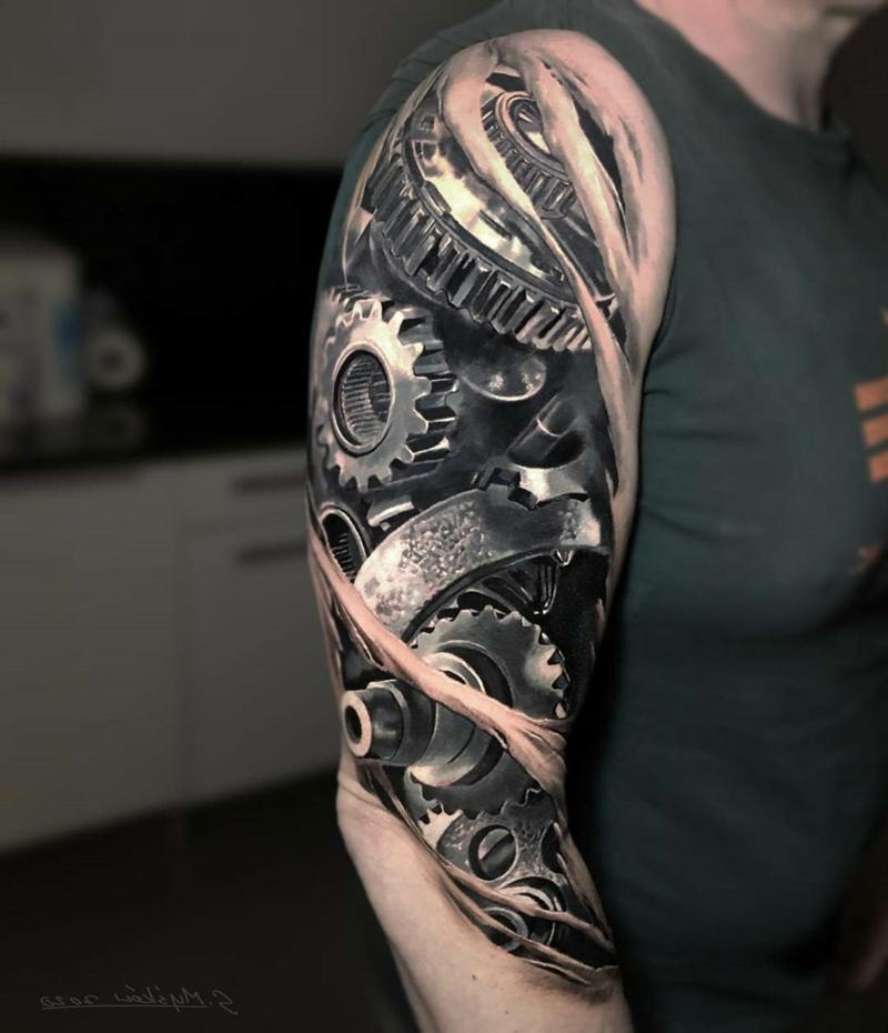 Biomechnaik Tattoo Schulter
