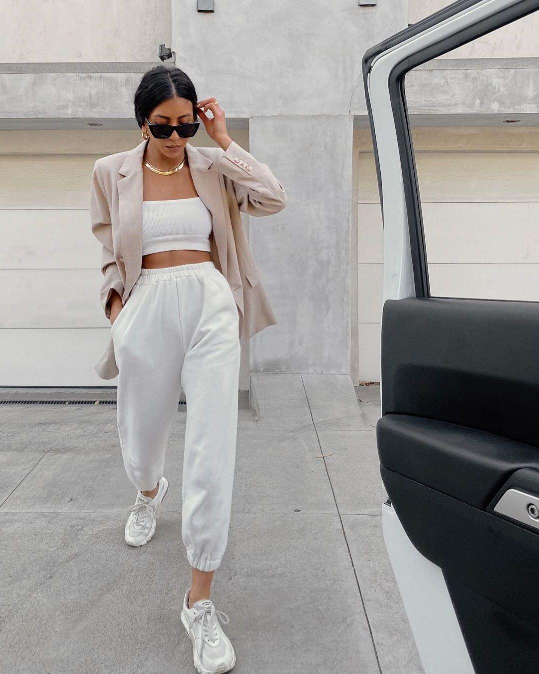 Blazer Outfit für den Alltag - Blazer kombinieren mit Sneakers