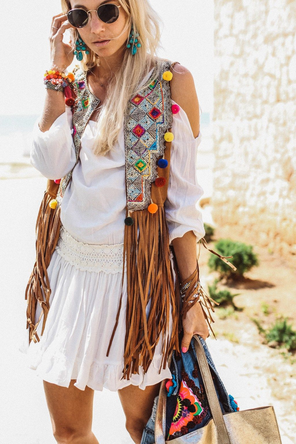 Hippie Stil Statement-Outfit mit Leder-Weste