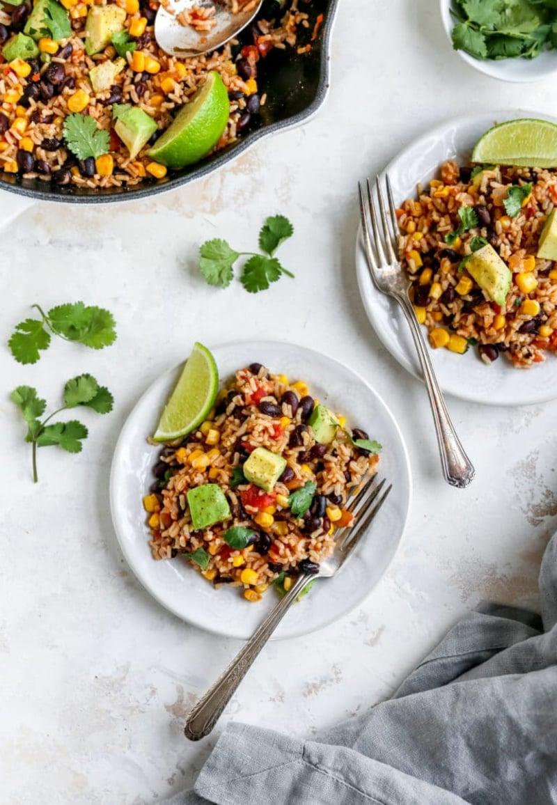 mexikanischer Reis servieren