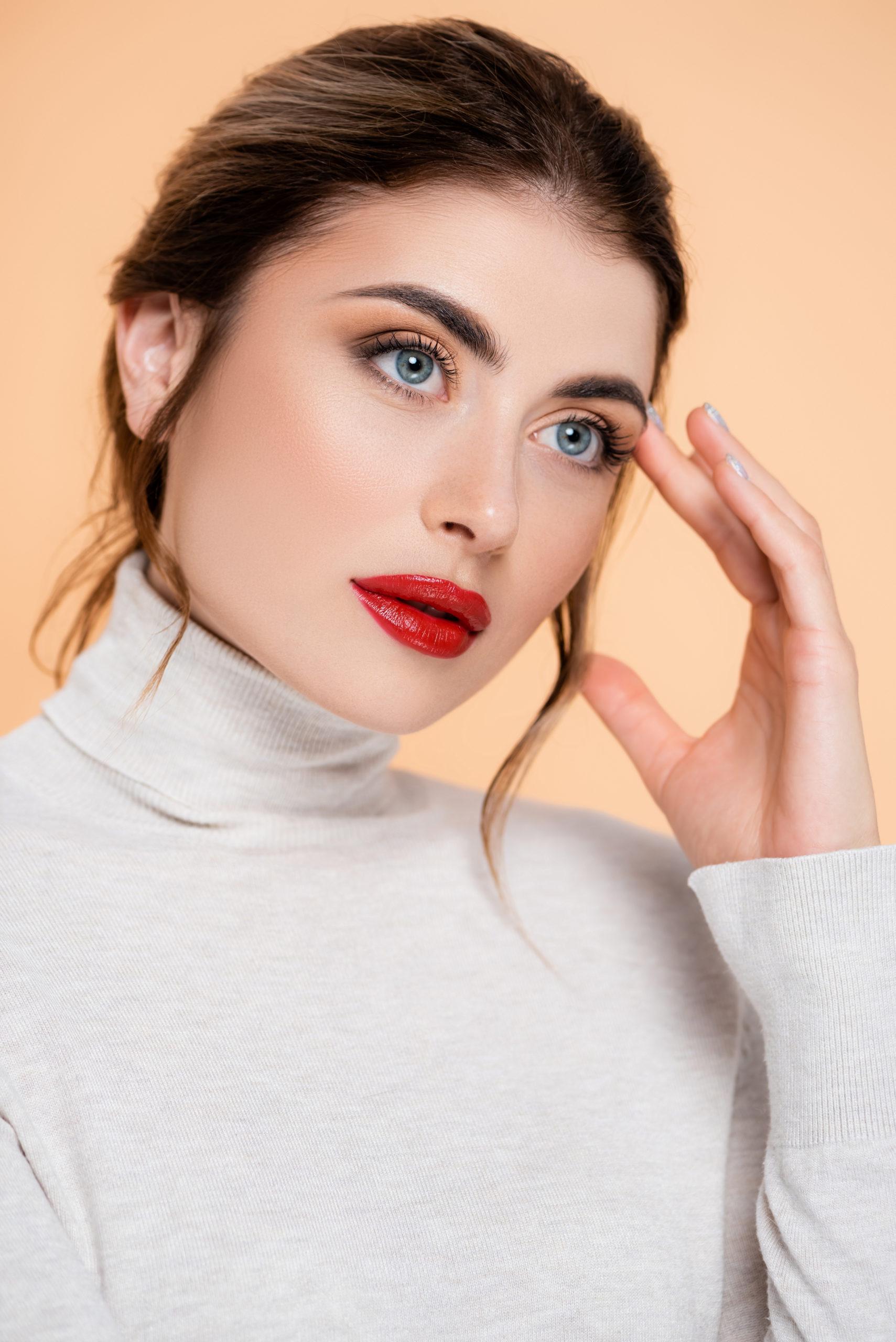 Ein gelungenes Make-up für schmale und volle Lippen
