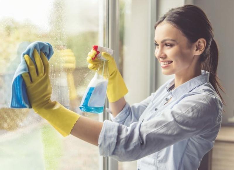 Fenster putzen Innen- und Außenseite