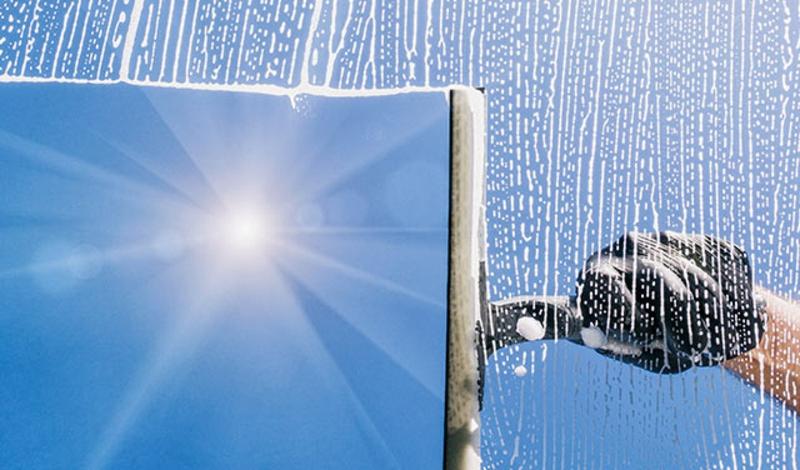Fensterscheibe sauber machen