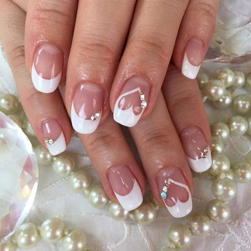 French Nails mit Herzen