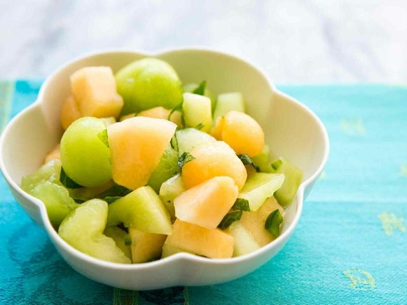 gesunder Fruchtsalat für die heißen Tage