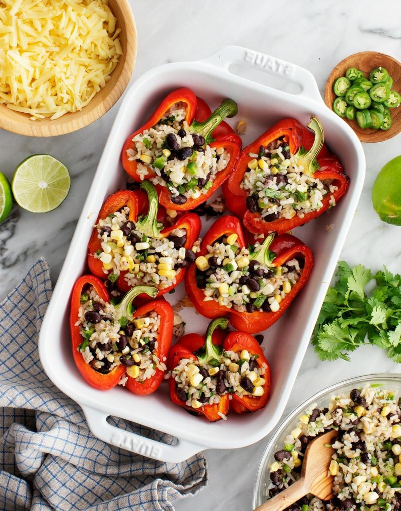 einfaches Essen für heiße Tage gefüllte Paprika