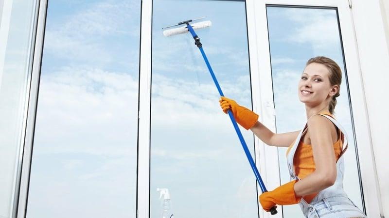 hohe Fenster putzen