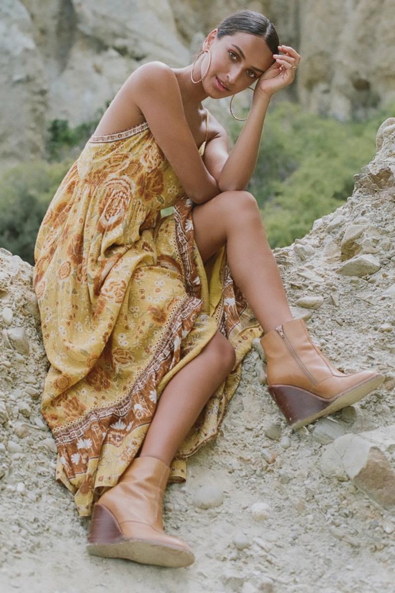 Hippie Stil gelbes Ethno-Kleid