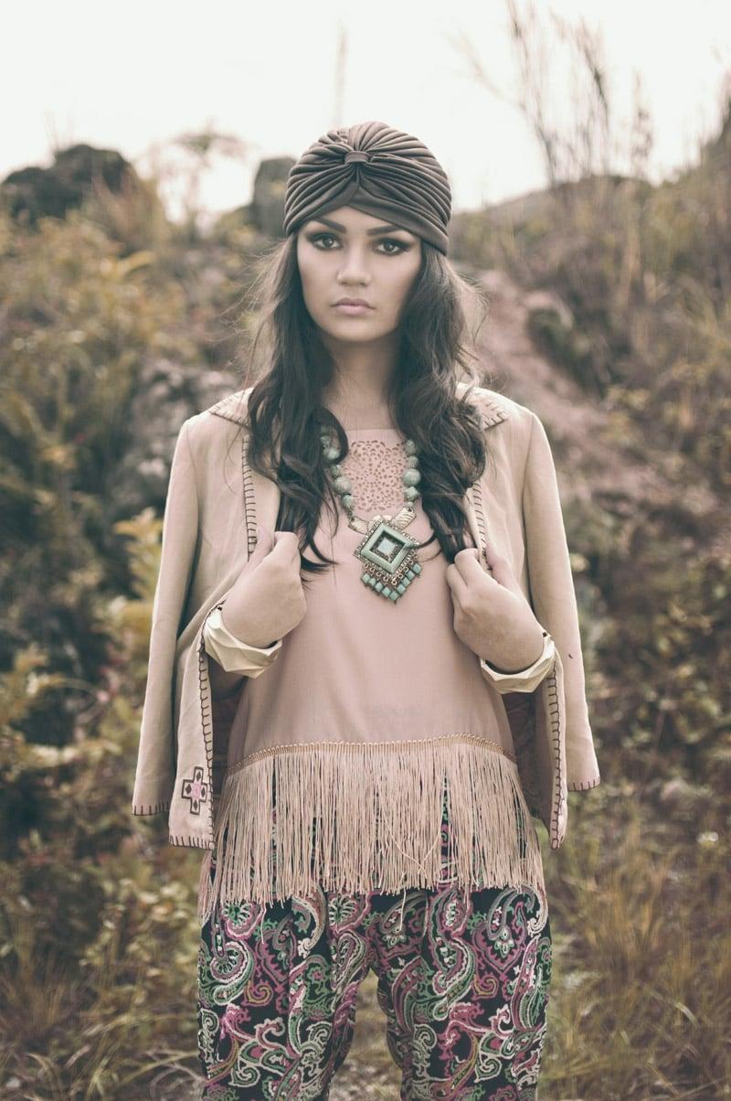Hippie Look in Neutralfarben Accessoires Kopftuch
