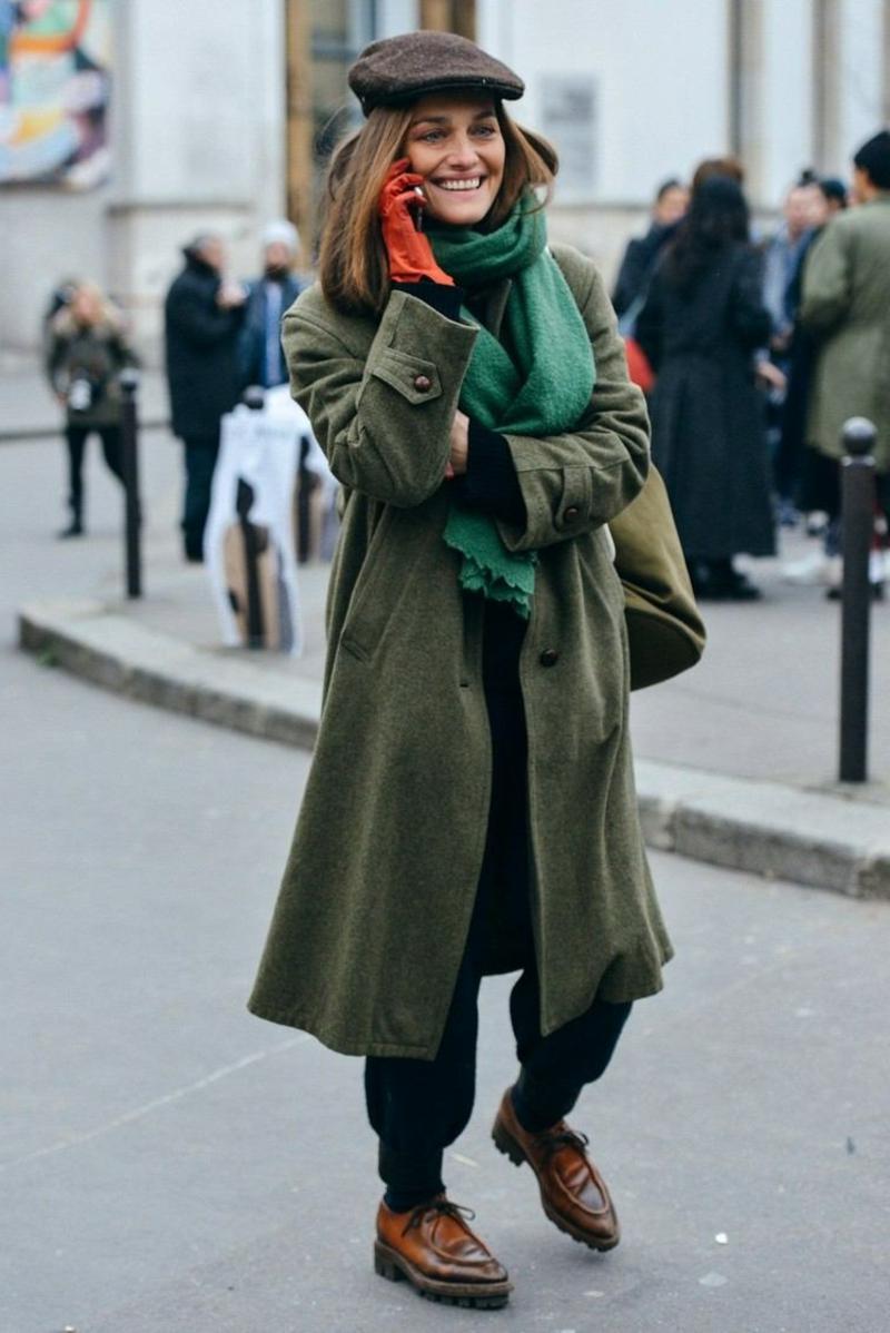 Jogginghose Outfit mit langem Wintermantel
