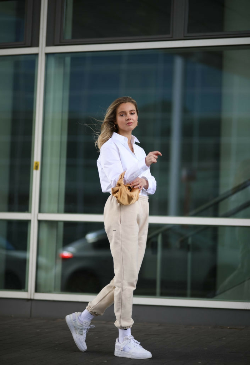 Joggers tragen Business Casual