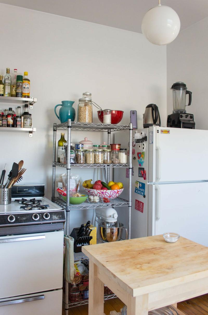 kleine Küche farbige Akzente