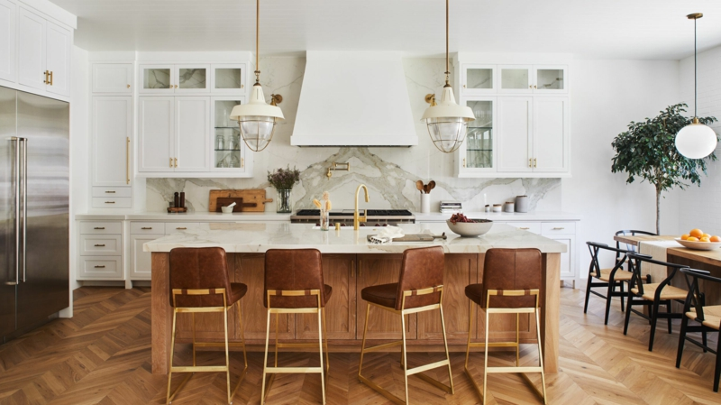 offene Küche mit Bartheke
