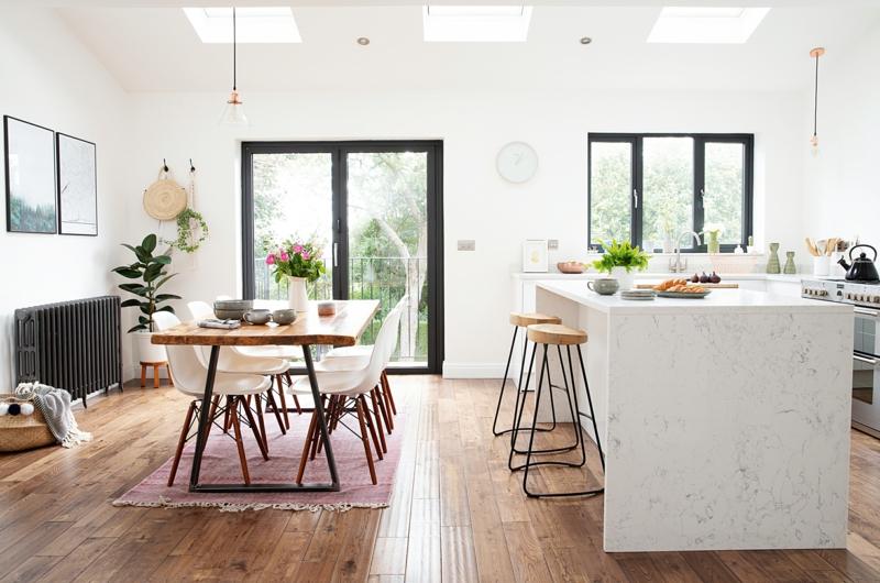 offener Wohnraum Küche und Essbereich