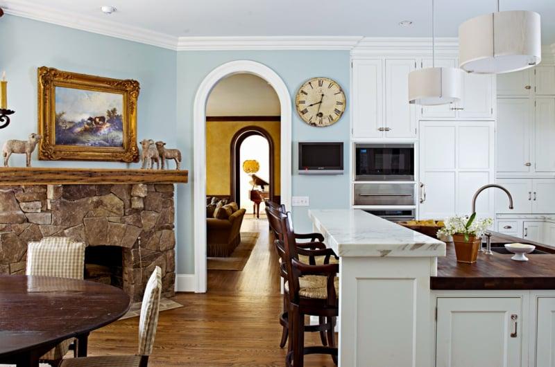 Küche Wandfarbe Hellblau antike Deko