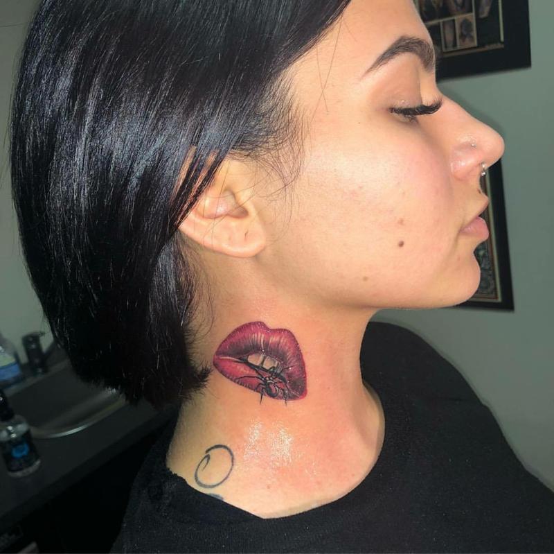 Tattoo Lippen Spinne 3D