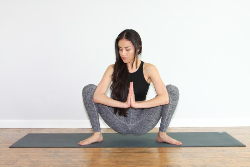Yoga Übungen für Anfänger Malasana