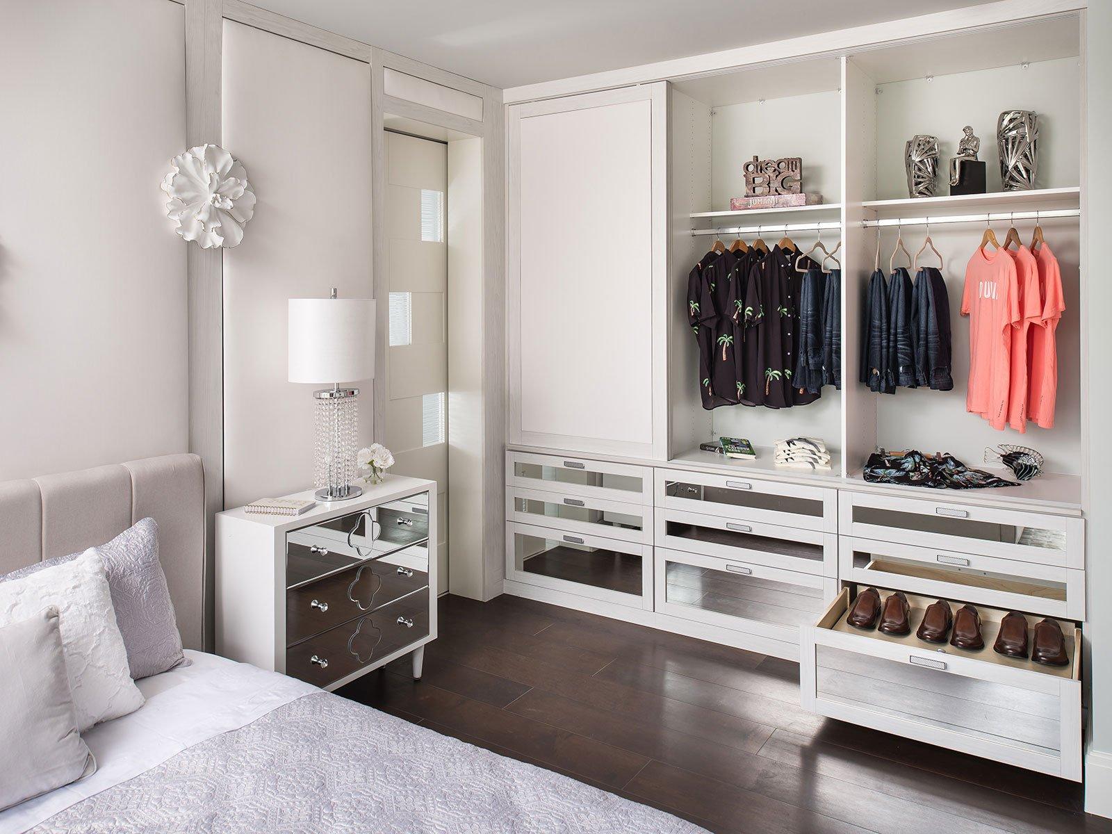 Welche Tiefe des Kleiderschranks ist am besten?