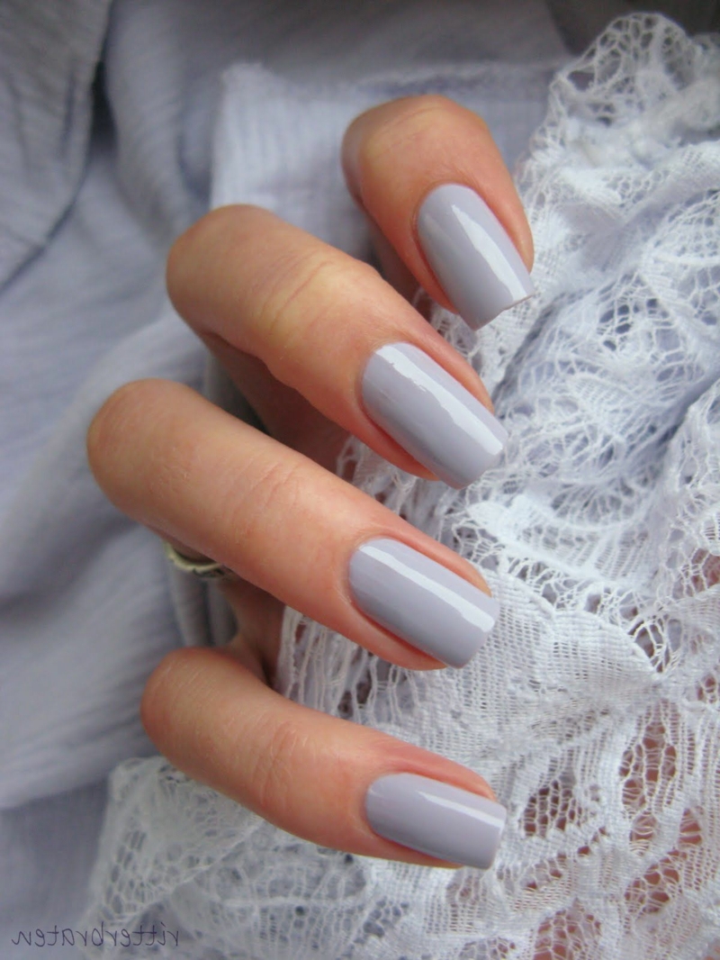 Braut Nägel moderne Farben