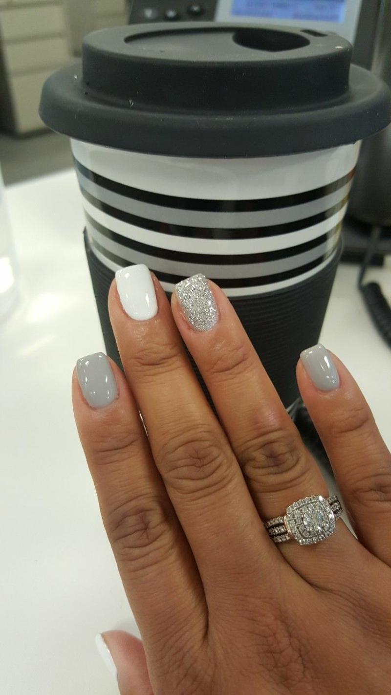 Hochzeitsnägel weiß und grau