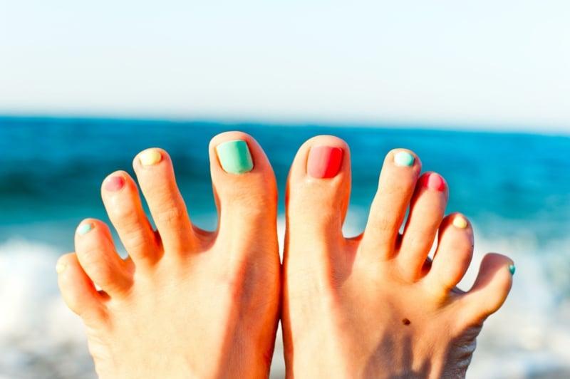 Fußnageldesign für den Sommer